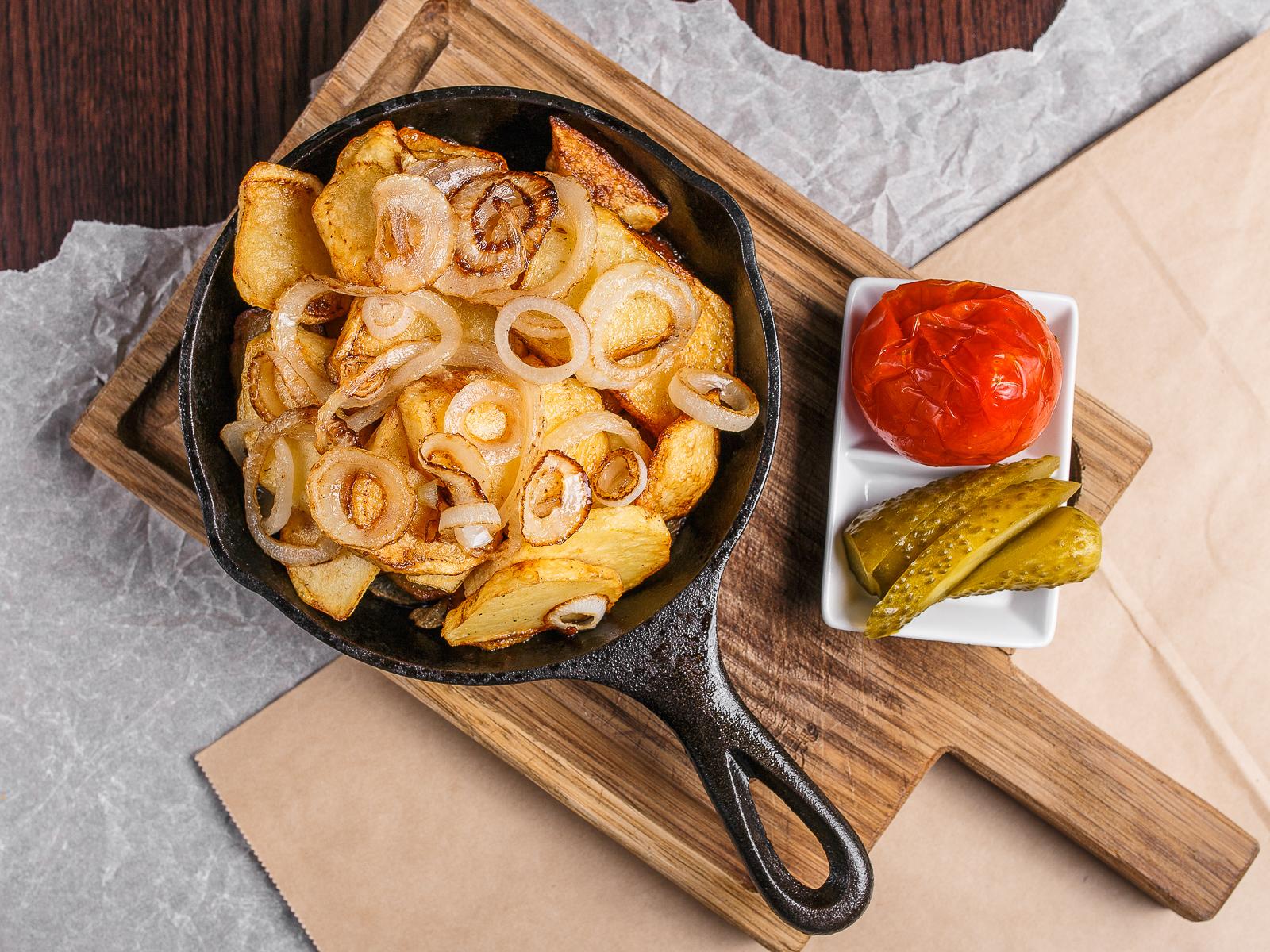 Картофель жаренный с луком