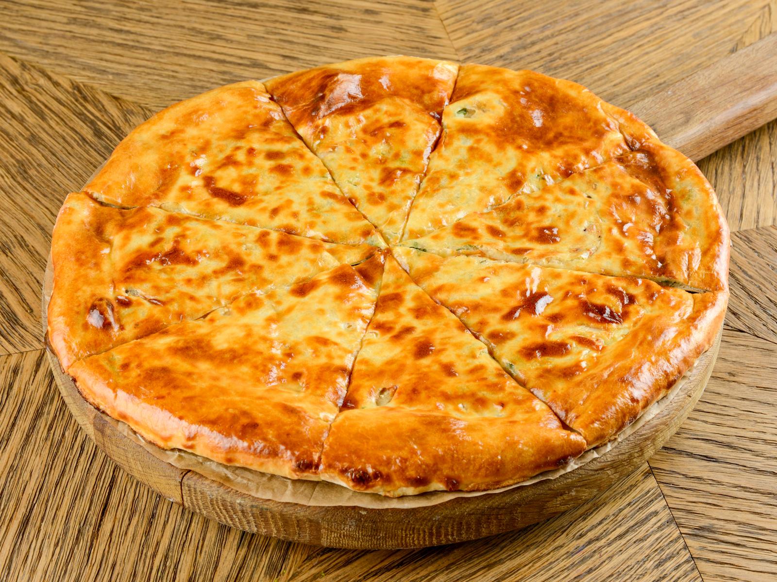 Пирог с курицей, сыром и картошкой