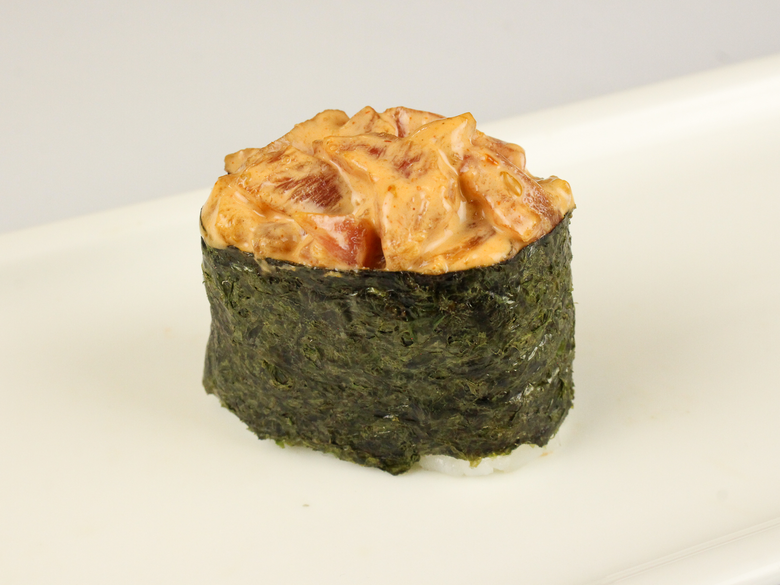Спайси суши с тунцом