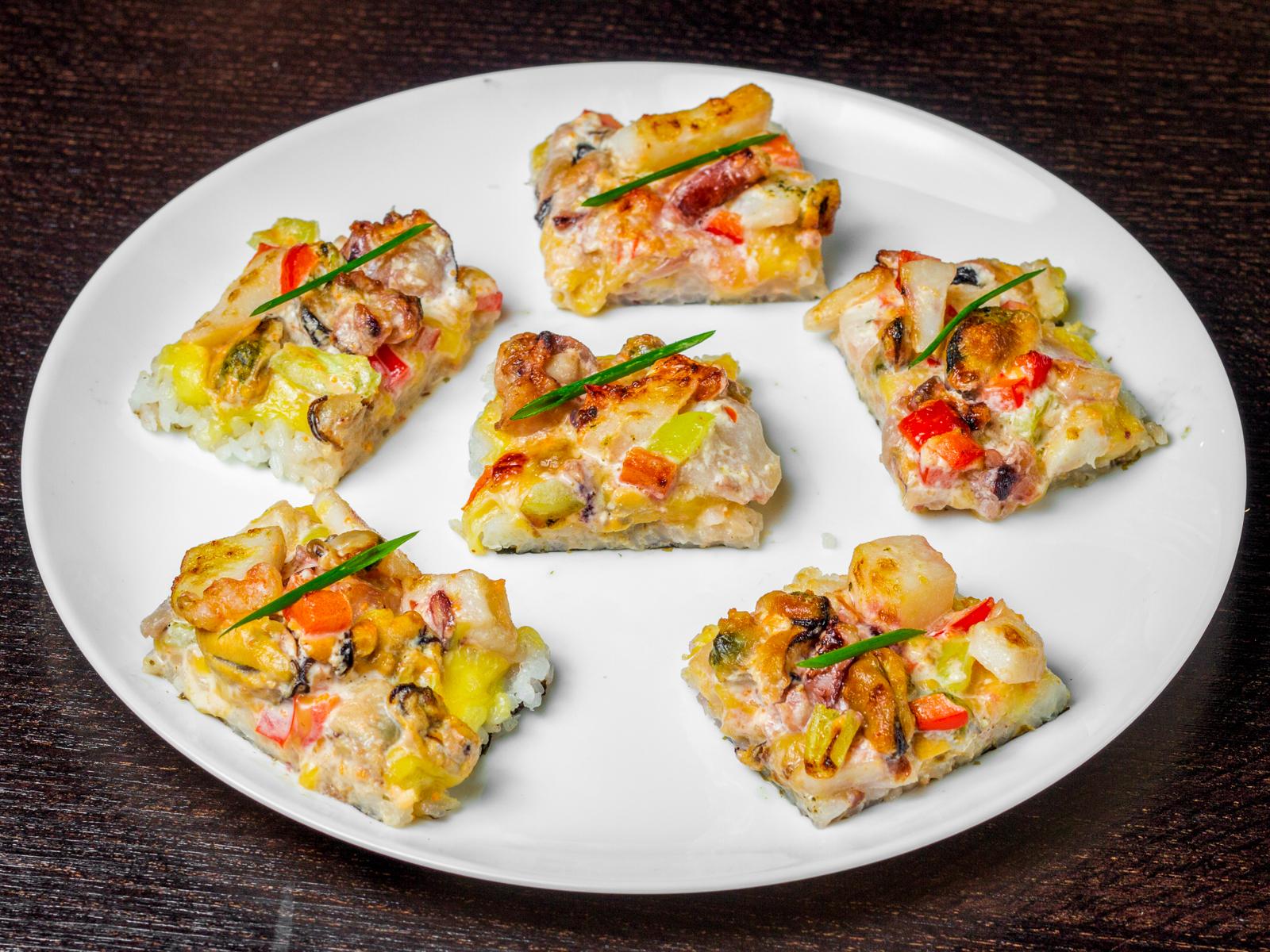 Ролл Суши-пицца с морепродуктами