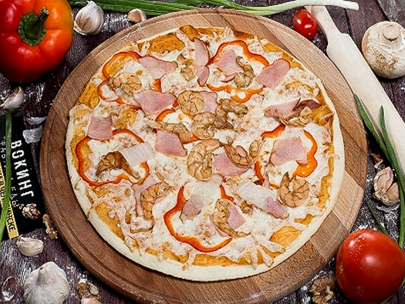 Пицца Креветки в беконе на толстом тесте