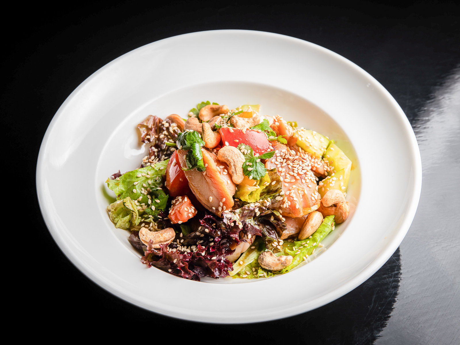 Салат с курицей в соево-цитрусовой заправке