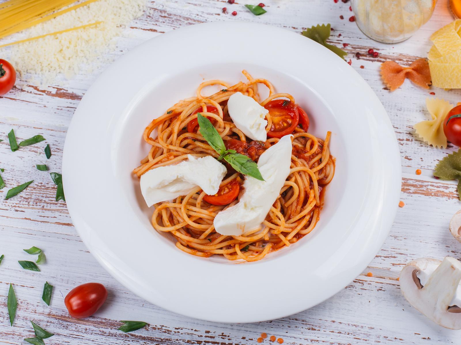 Спагетти с томатами