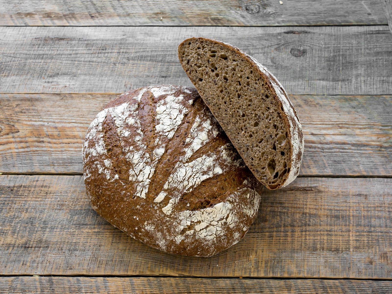Хлеб Зерновой темный