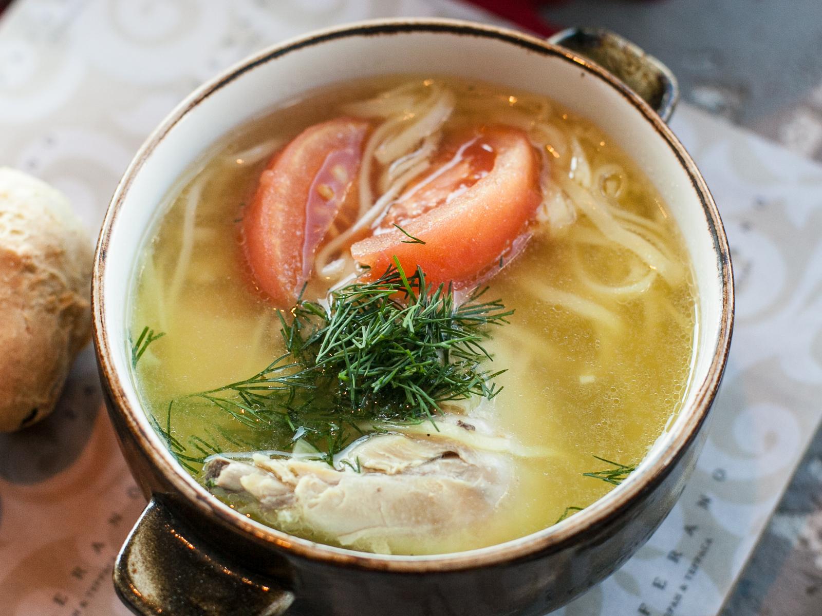 Куриный суп с домашней лапшой Шурпа