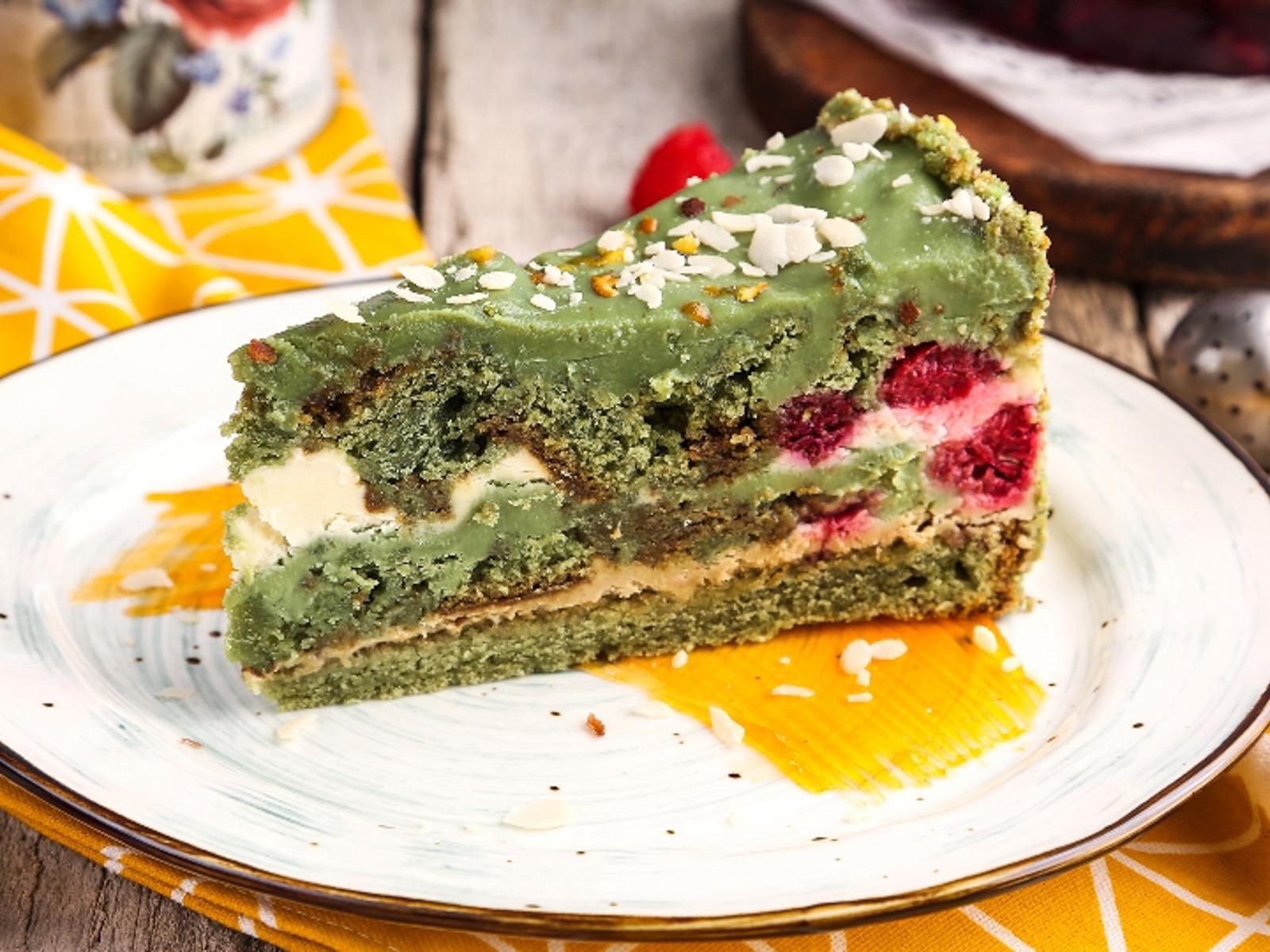 Десерт Фисташковый с малиной