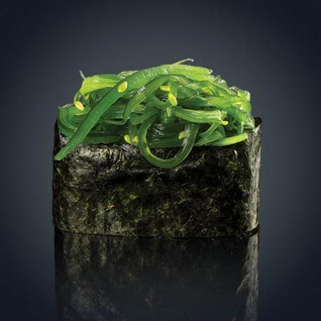 Гункан Вакамэ сарада