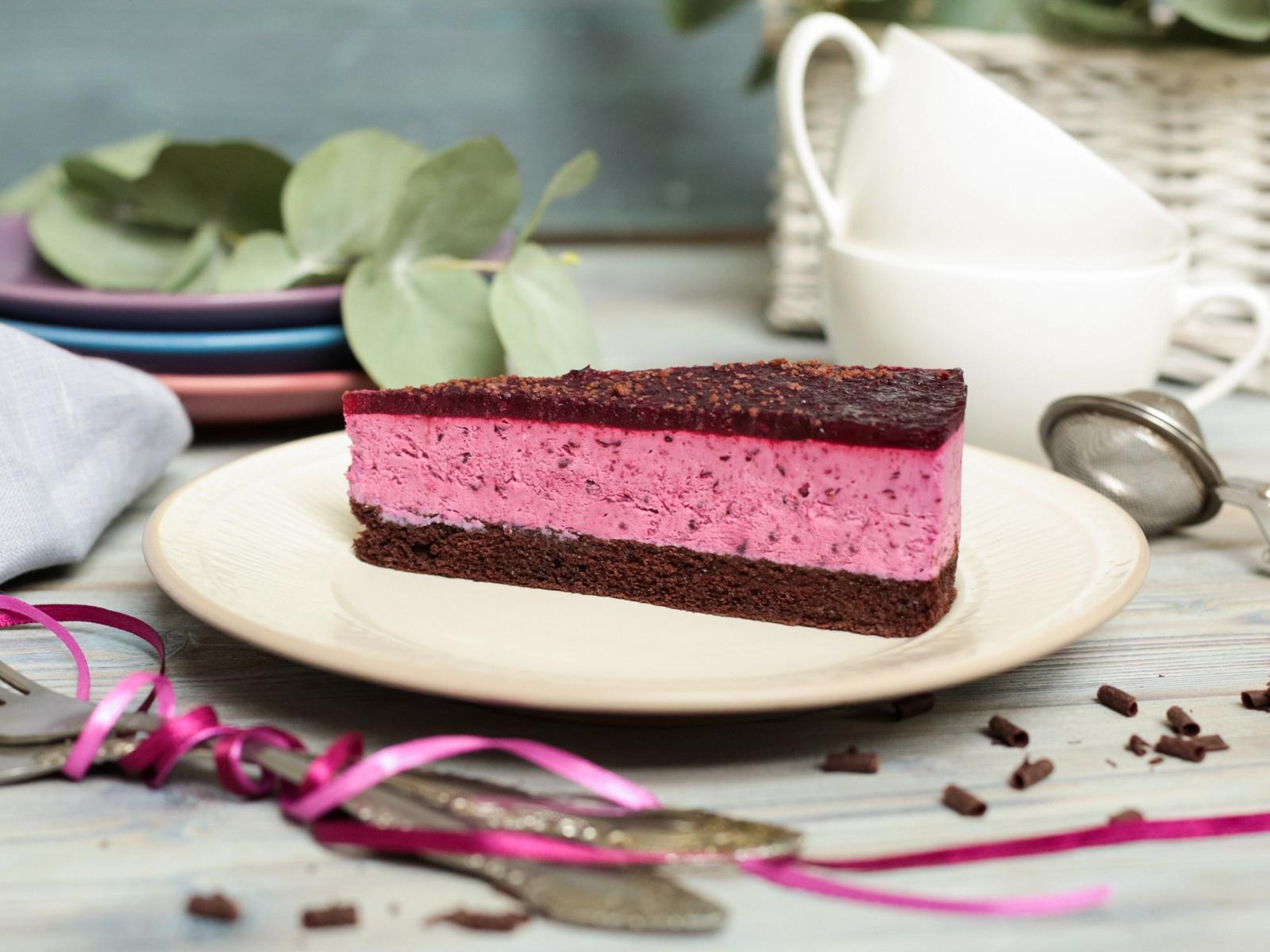 Муссовый торт Черная смородина
