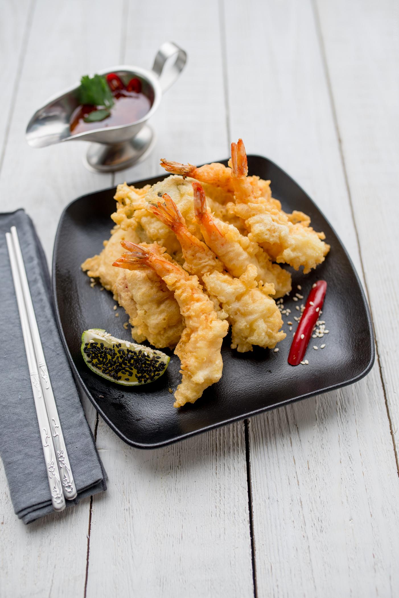 Креветки темпура с соусом тай