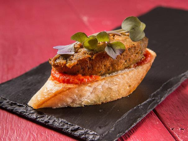 Пинчо с паштетом из вяленого мяса