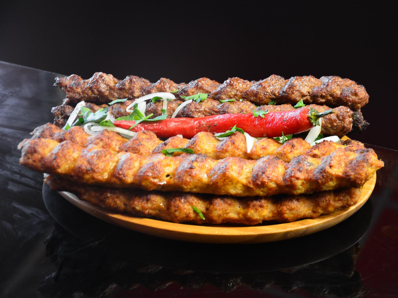 Люля-кебаб из баранины в лаваше