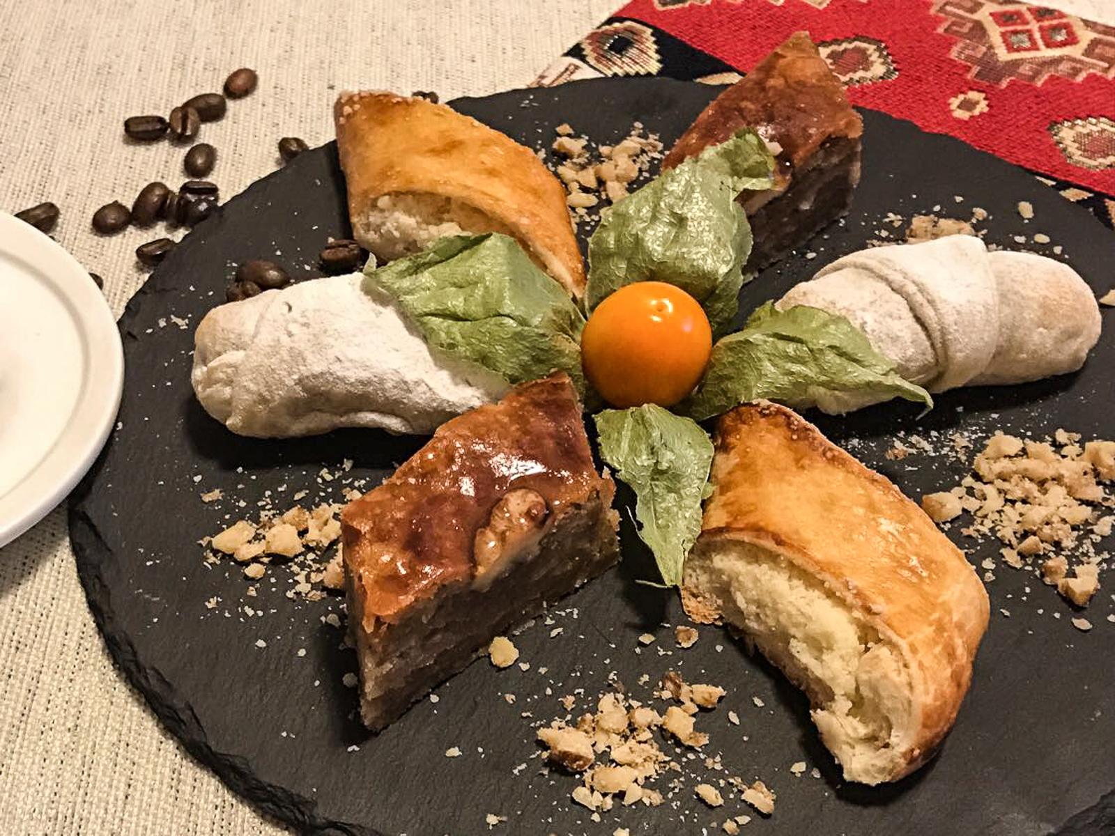 Ассорти армянских сладостей