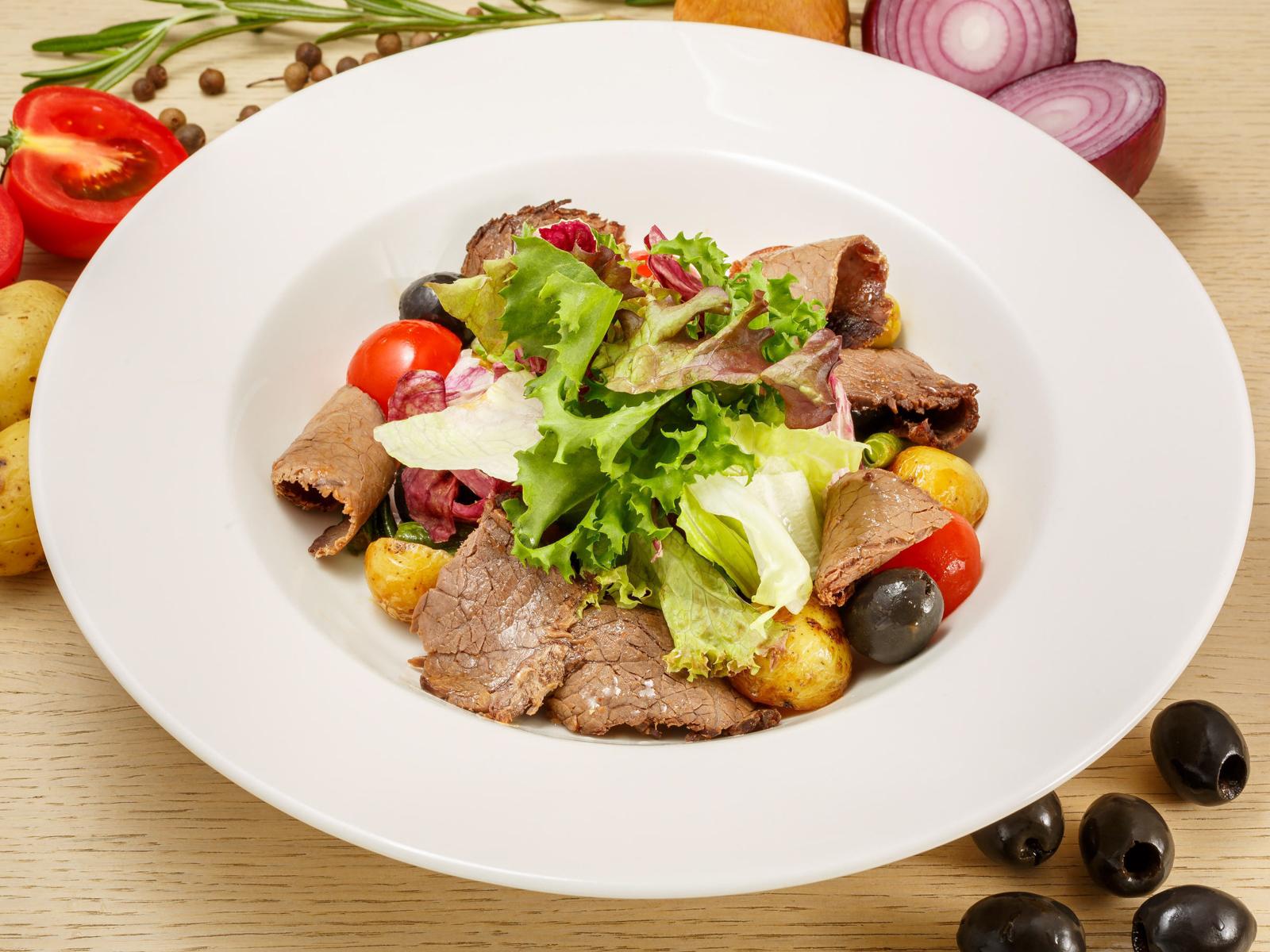 Салат Теплый с говядиной по-тоскански
