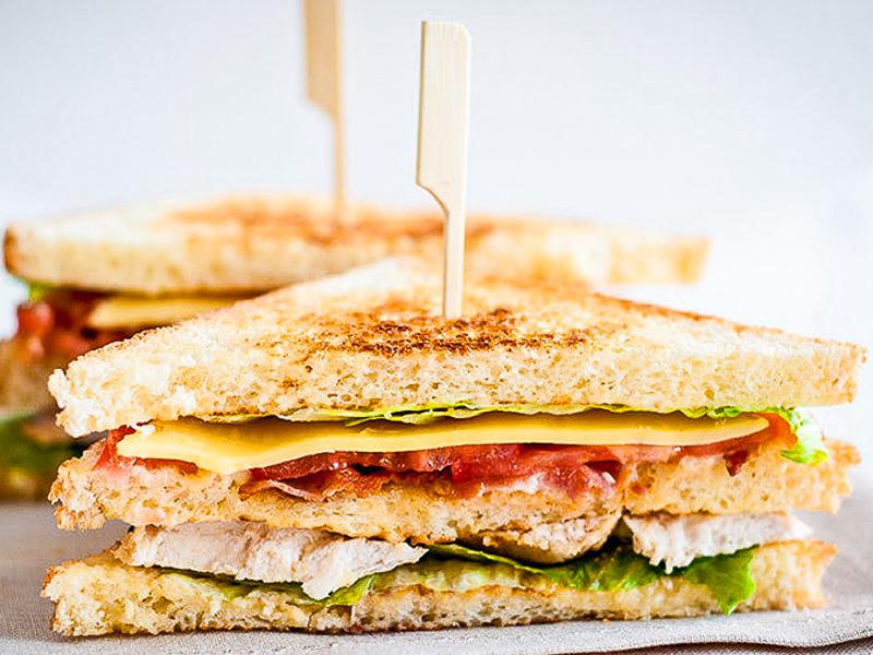 Сэндвич с лососем и творожным кремом