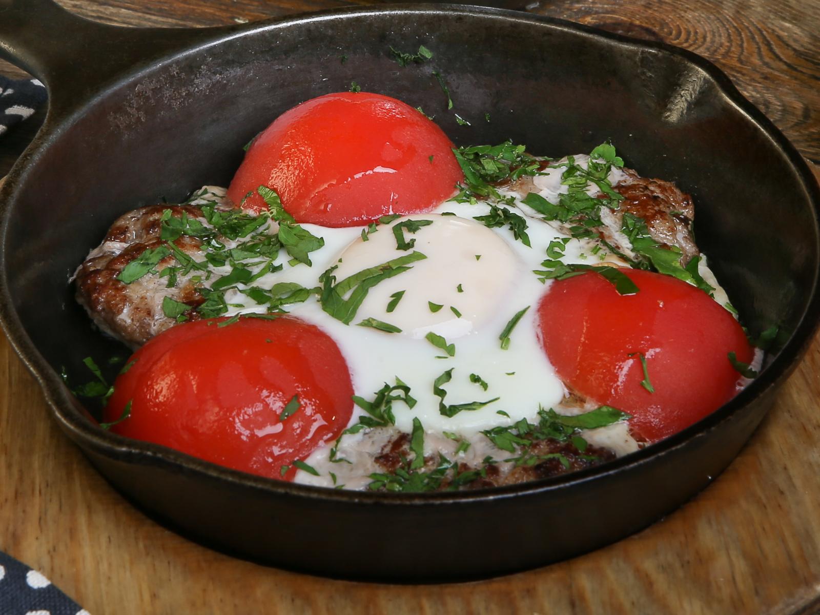 Сочные котлеты из телятины с яйцом