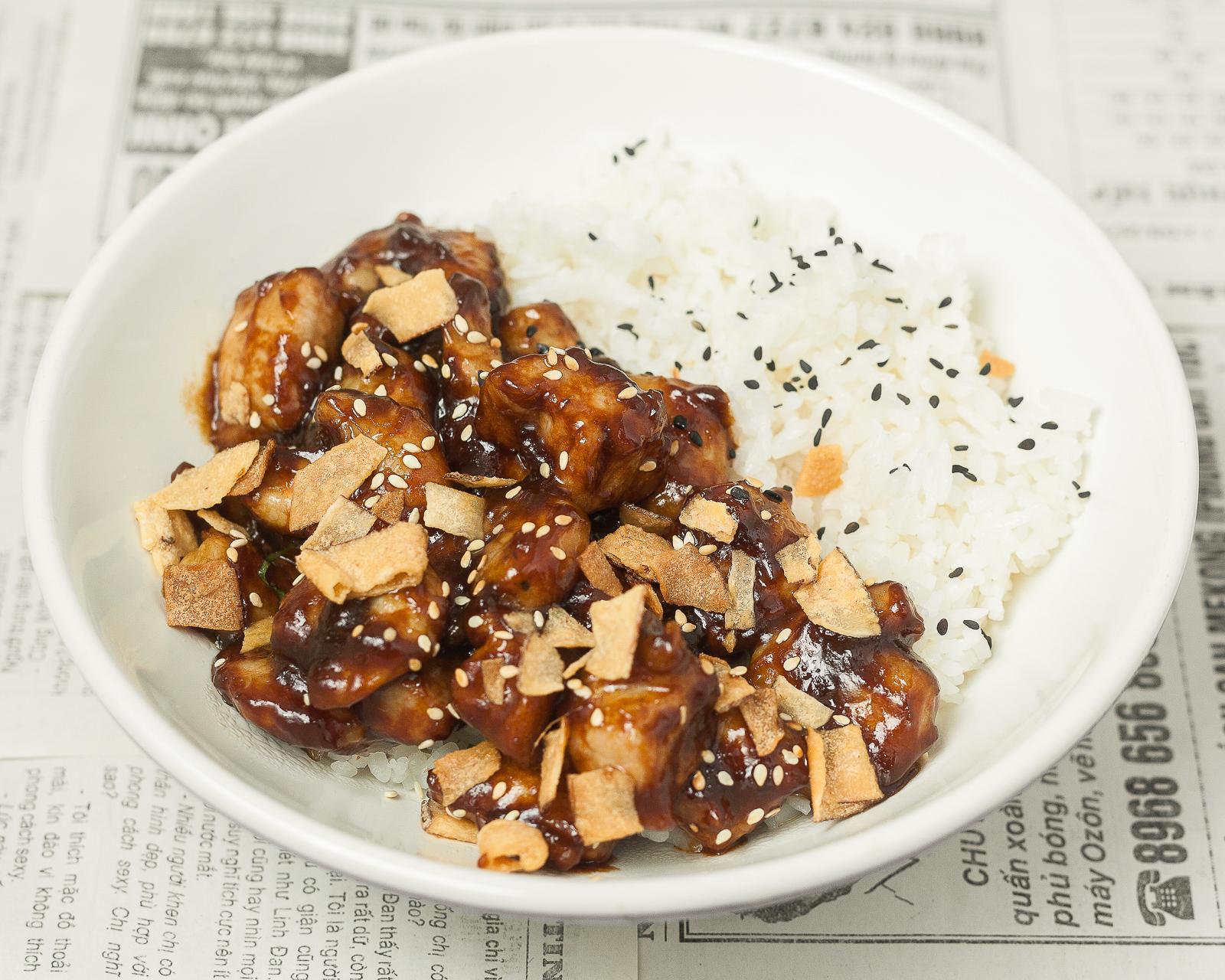 Рис со свининой и креветками в соусе по-ханойски