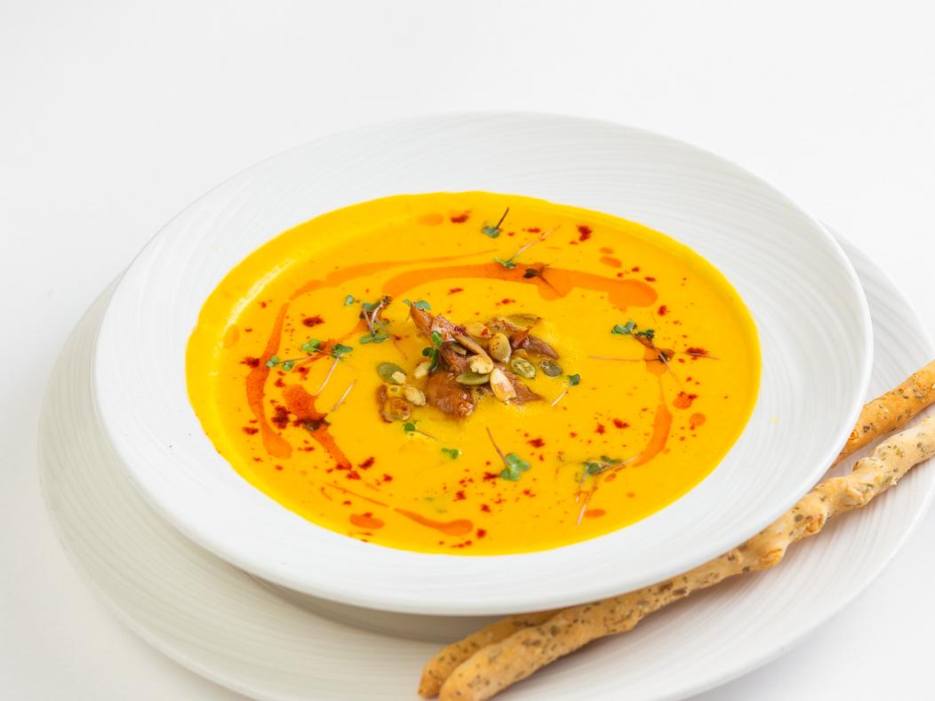 Тыквенный крем-суп с утиной ножкой