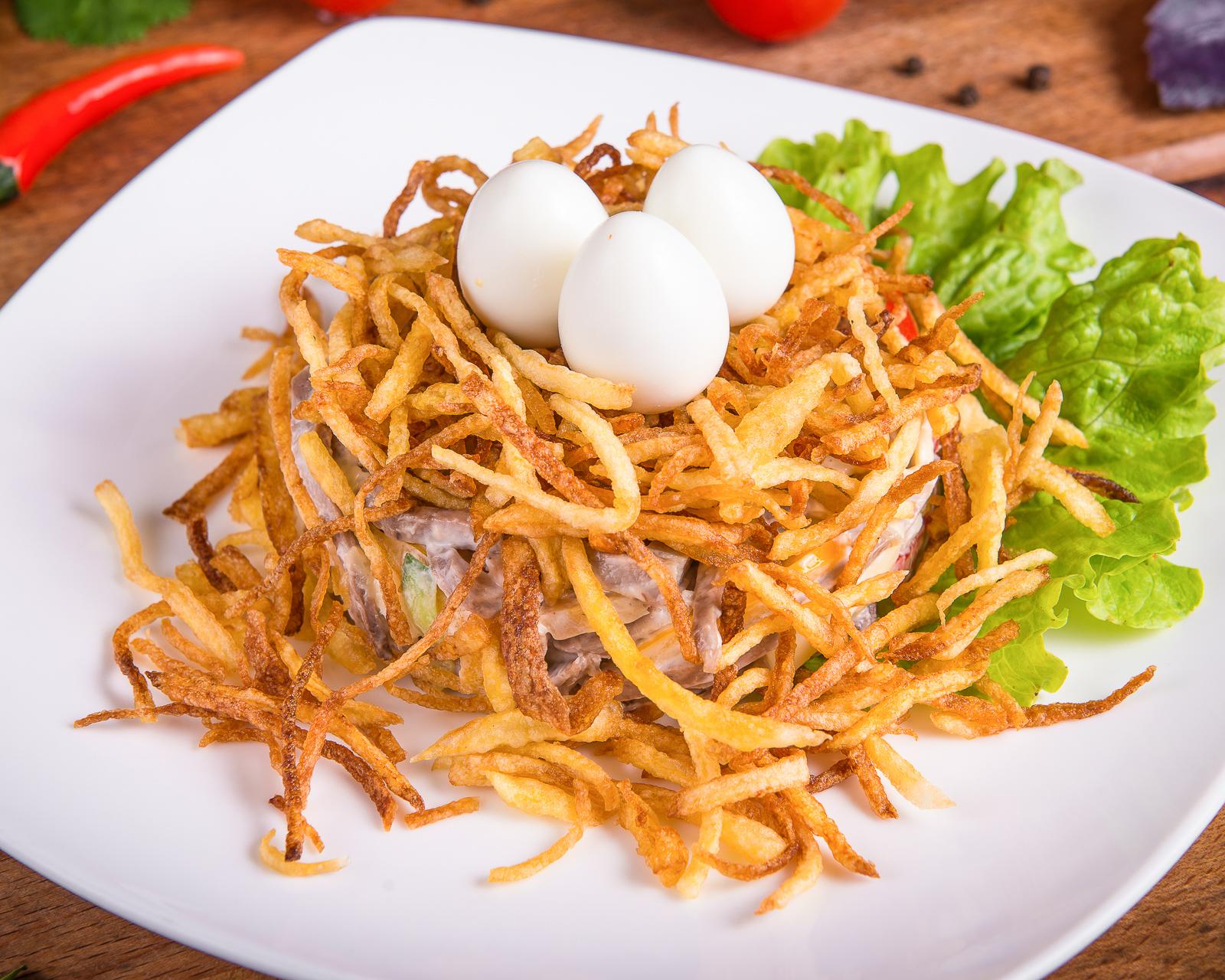 Салат перепелиное гнездо