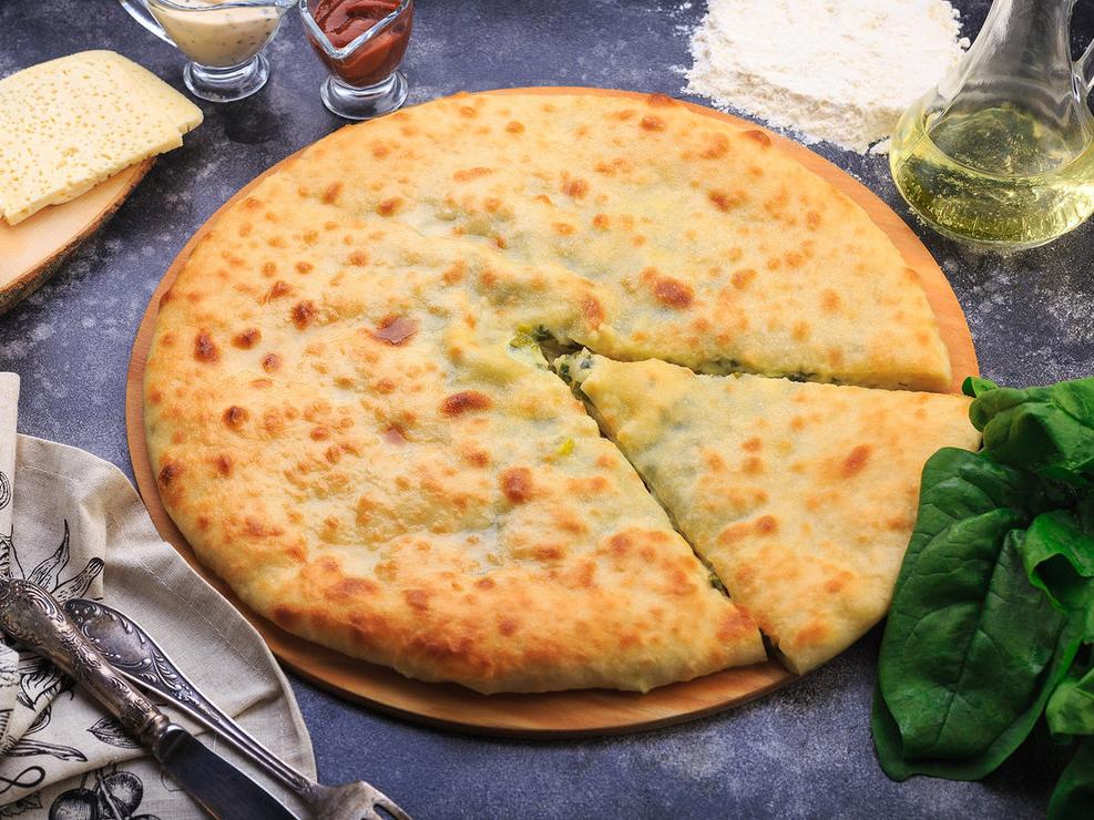 Осетинский пирог с сыром и шпинатом
