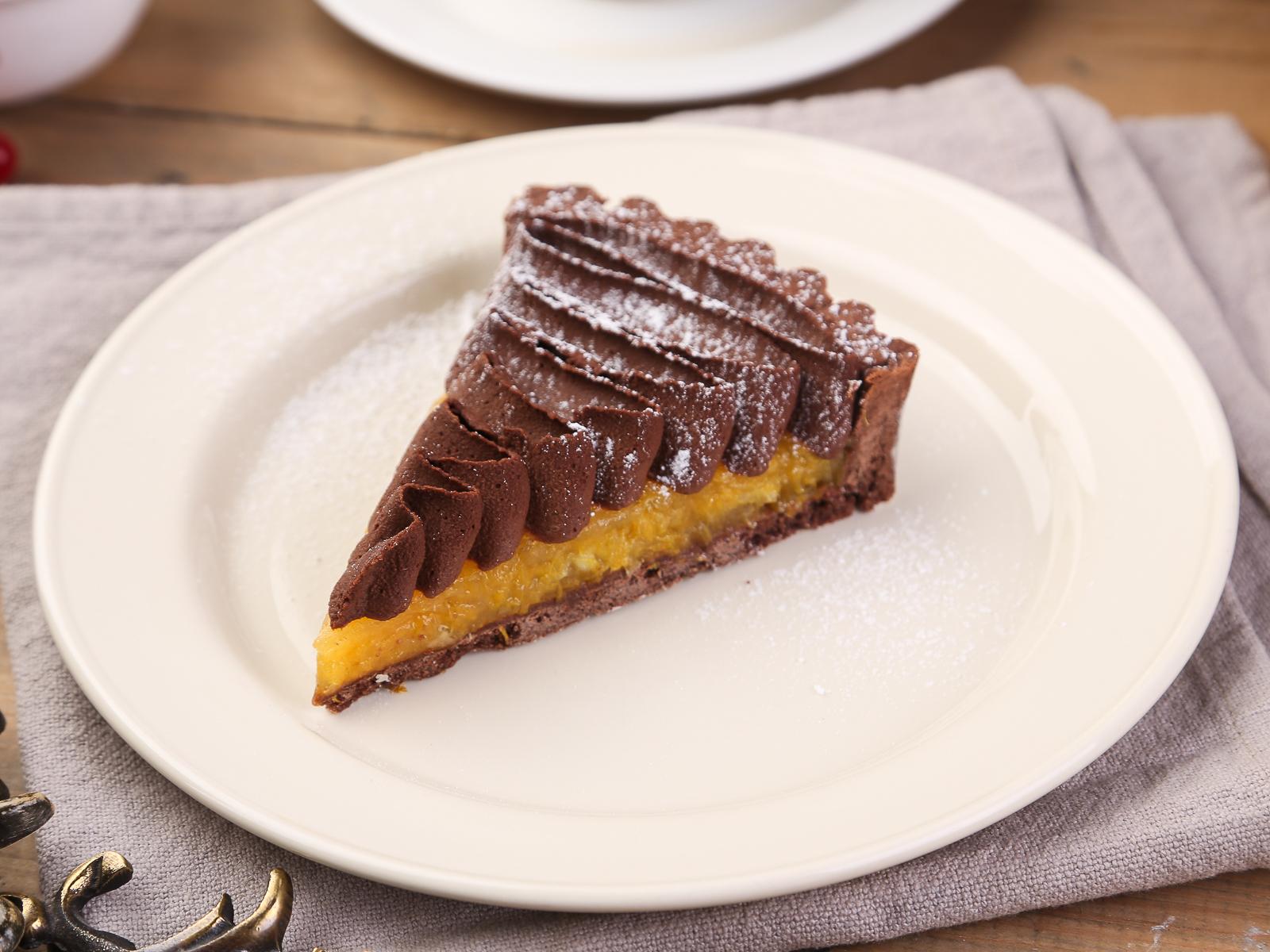 Шоколадный тарт с апельсинами