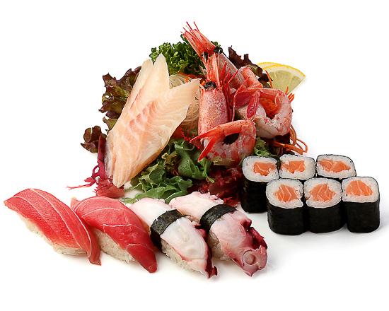 Ассорти суши, сашими, роллы В