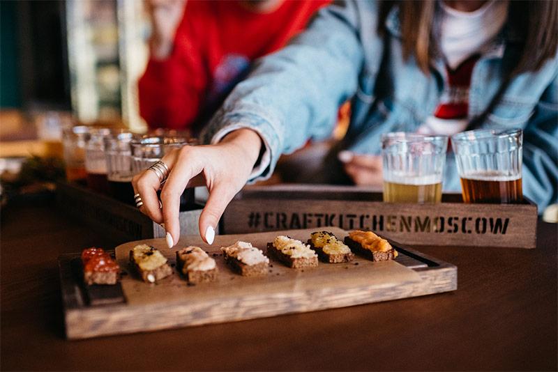 Ассорти тостов с 7 видами икры