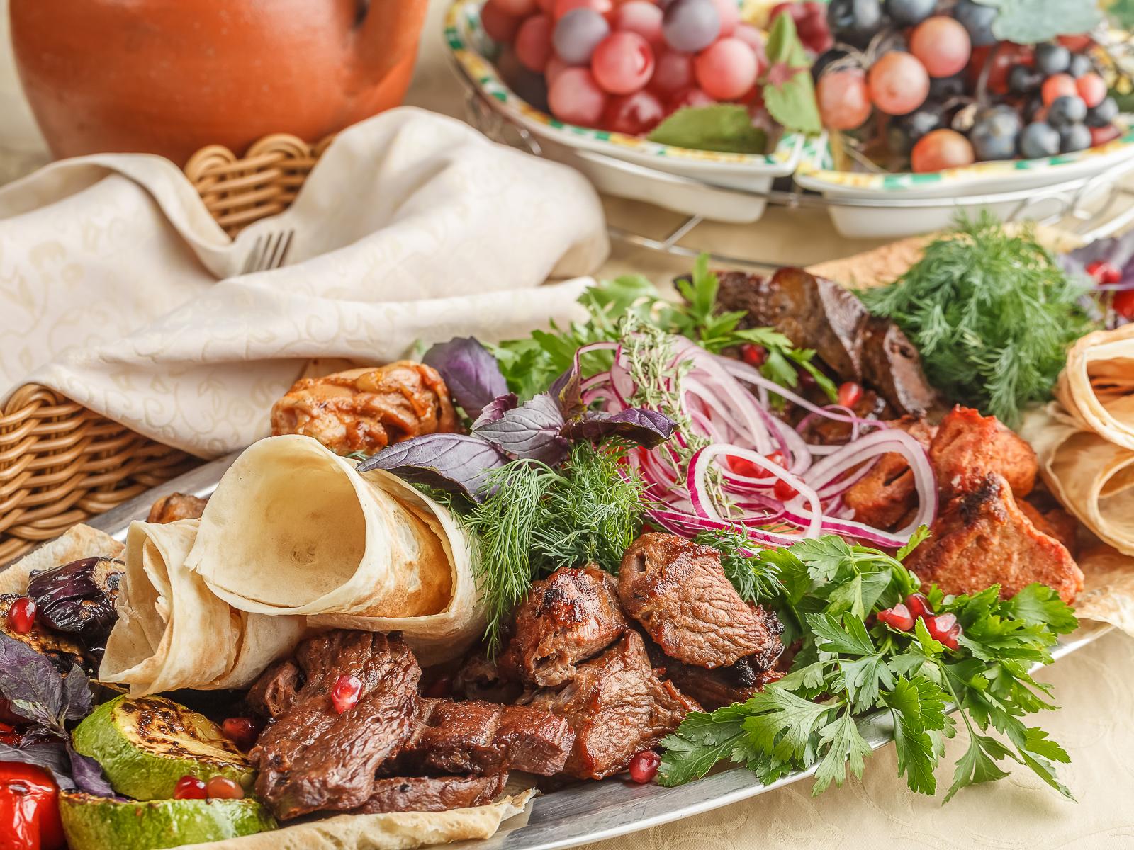 Ассорти кавказских шашлыков