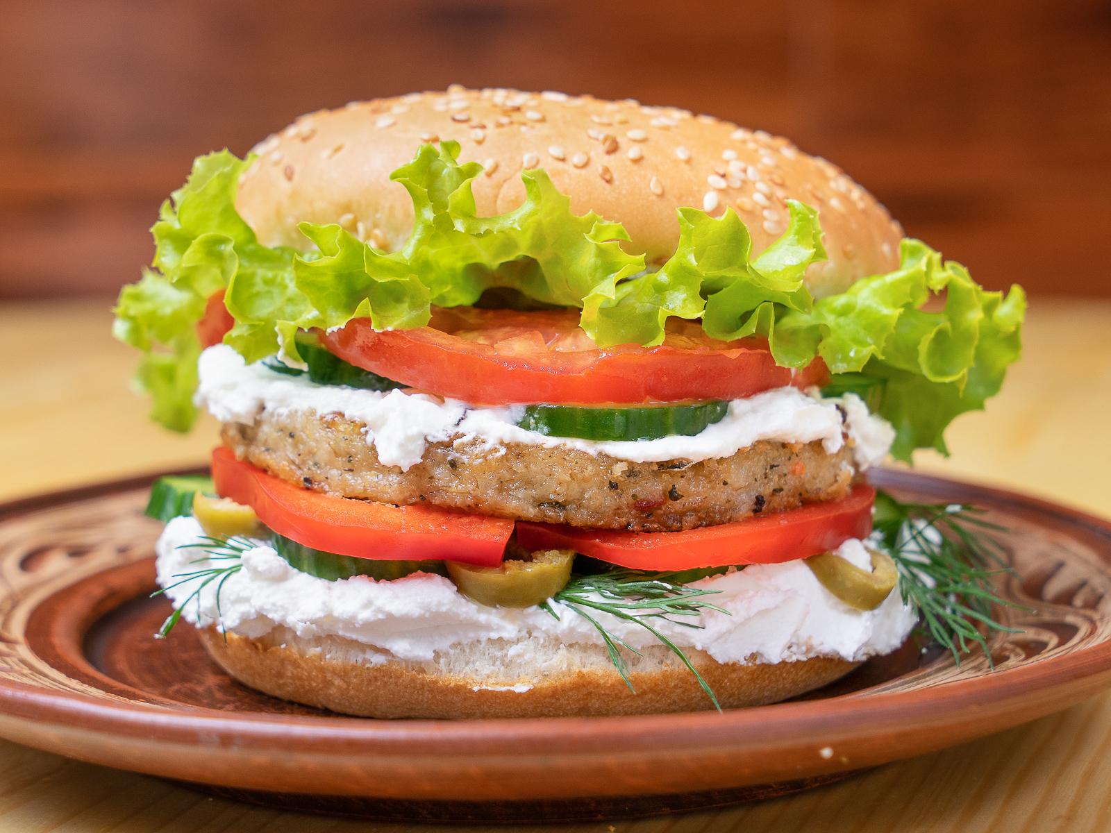 Греческий бургер Horiatiki