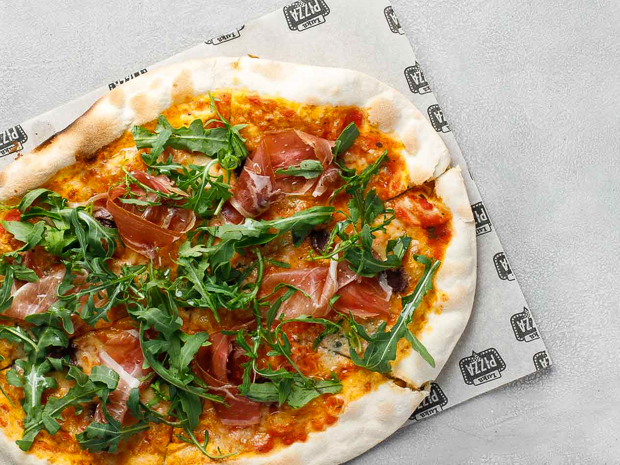 Пицца с пармой и дорблю