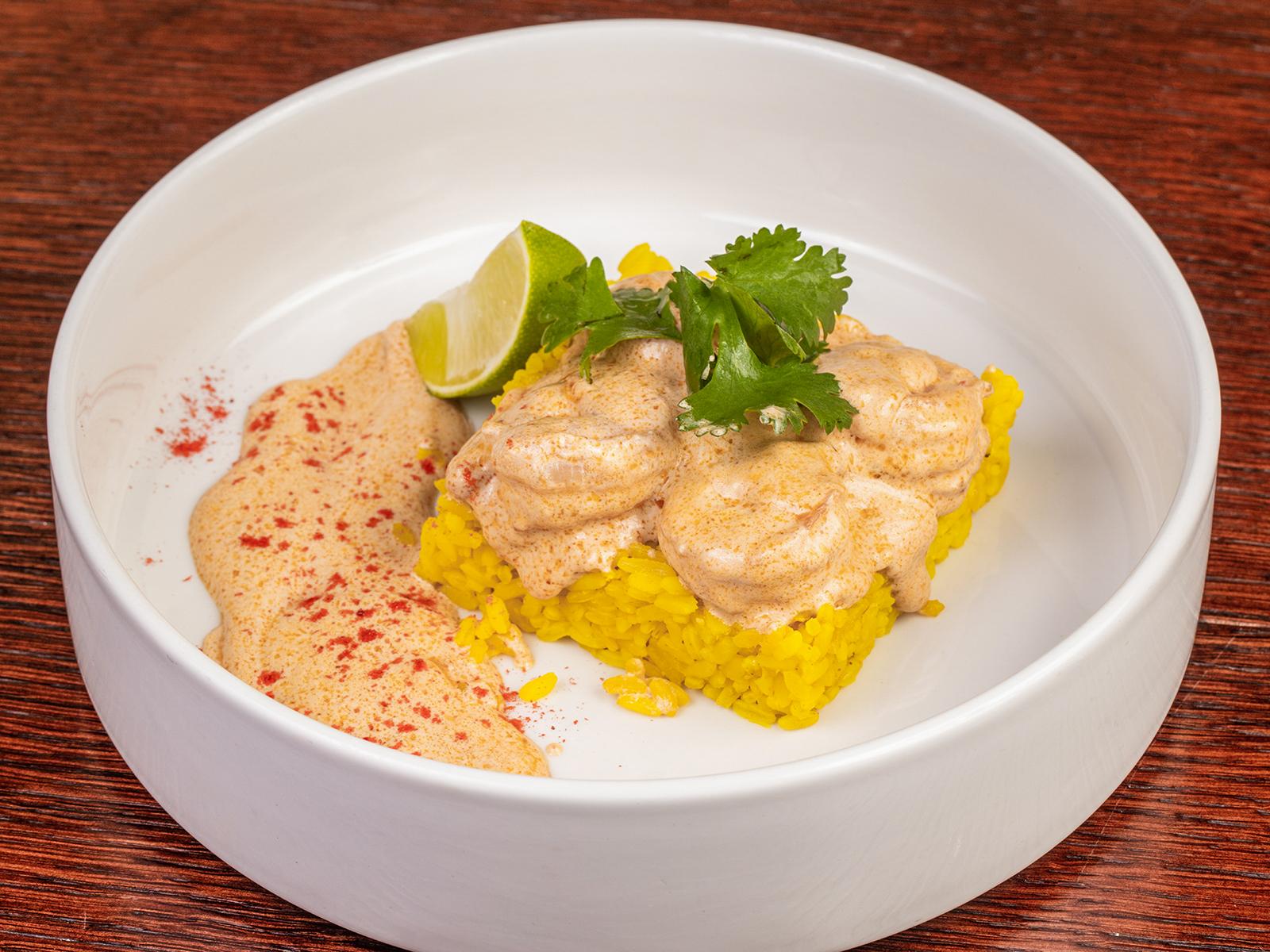 Креветки в сливочном соусе с рисом карри
