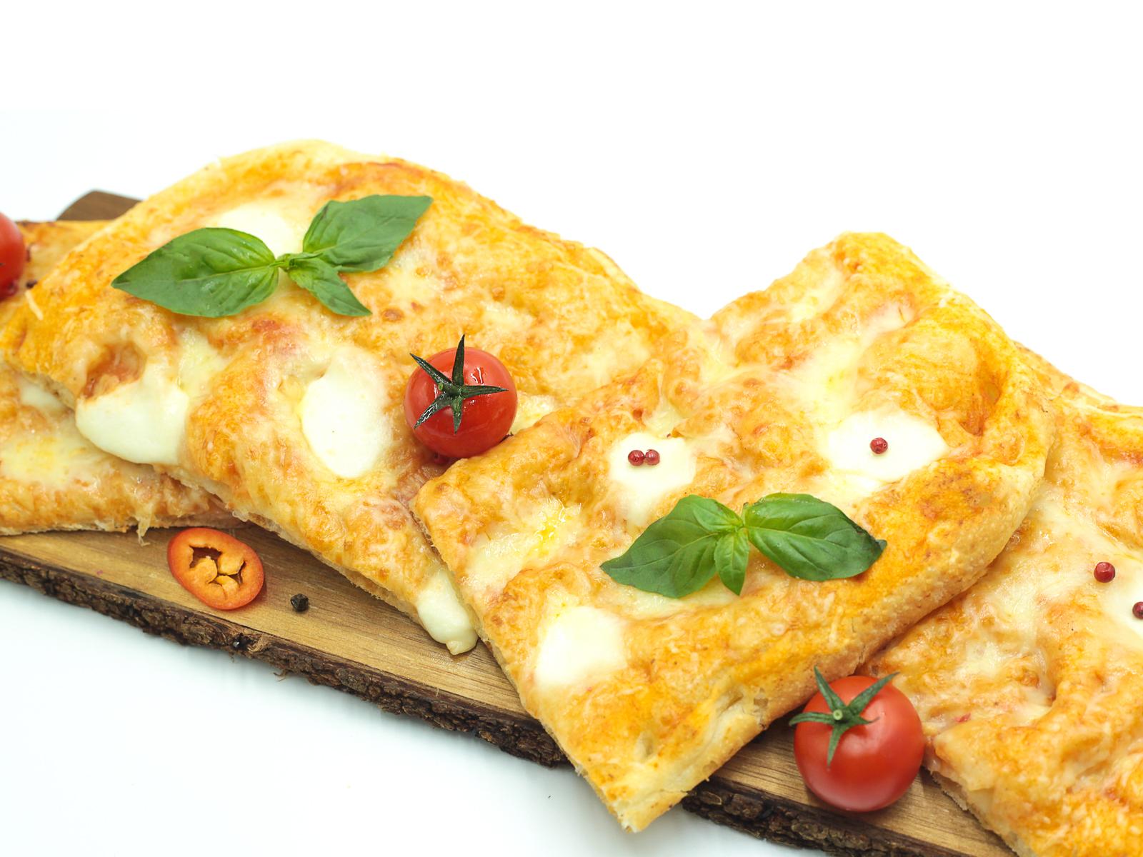 Фокачча четыре сыра
