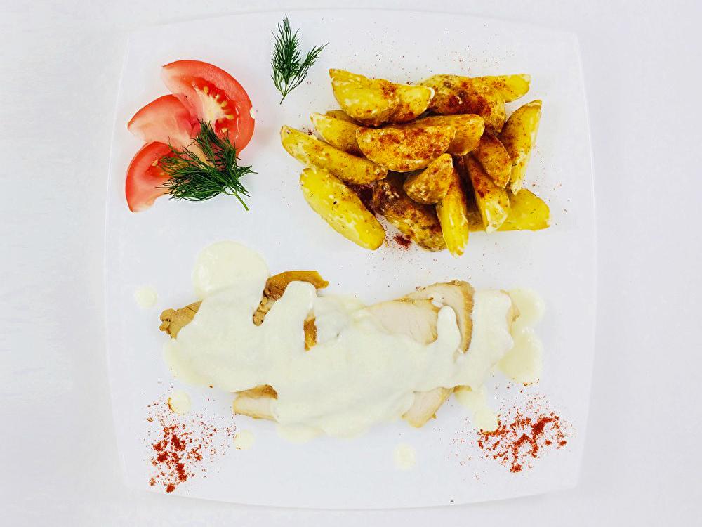 Куриный стейк в сливочном соусе
