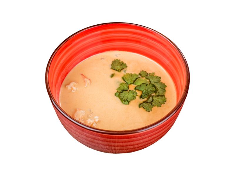 Суп Том ям с креветкой и кокосовым молоком