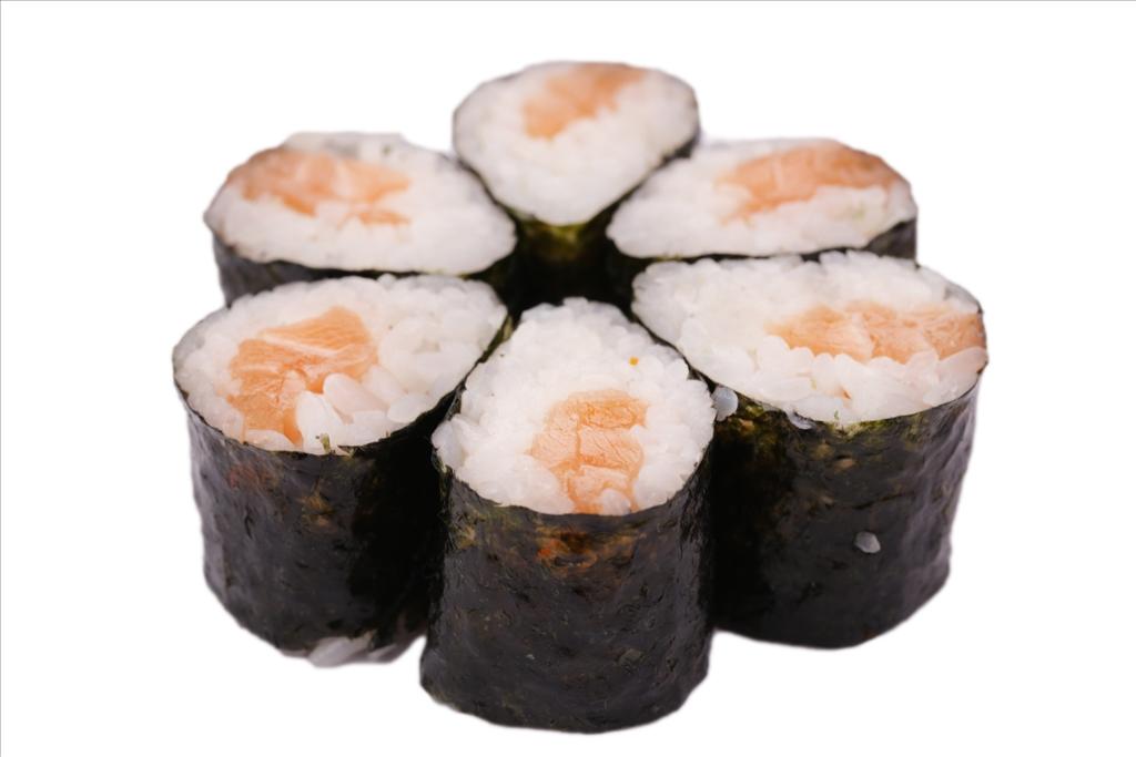 Мини роллы с копченым лососем
