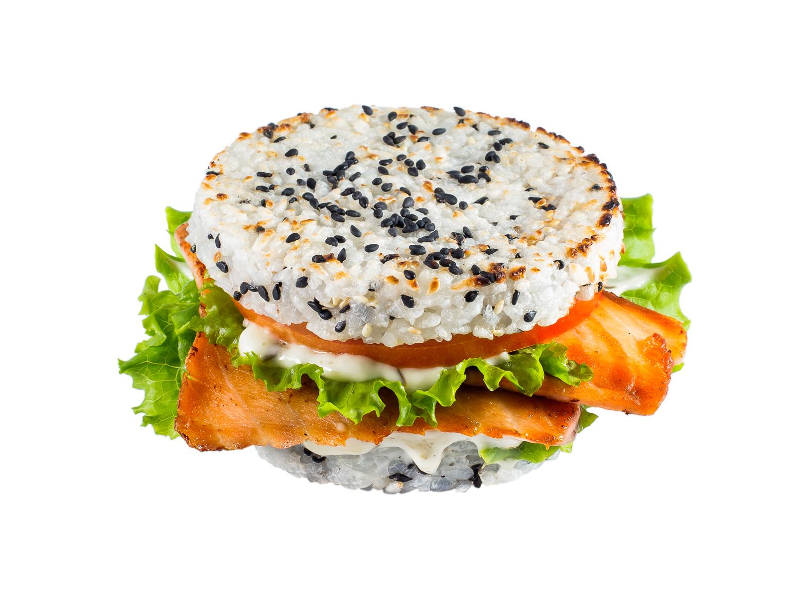 Рисовый бургер с лососем