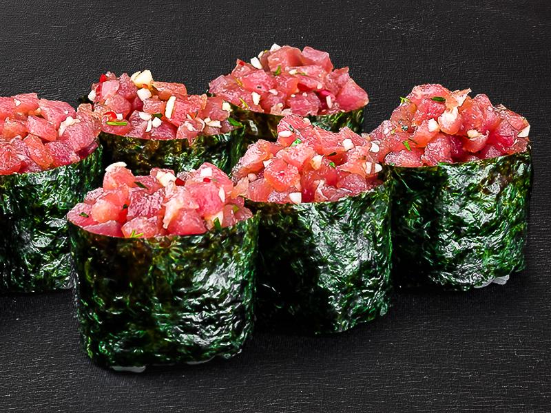 Суши сет с маринованным тунцом