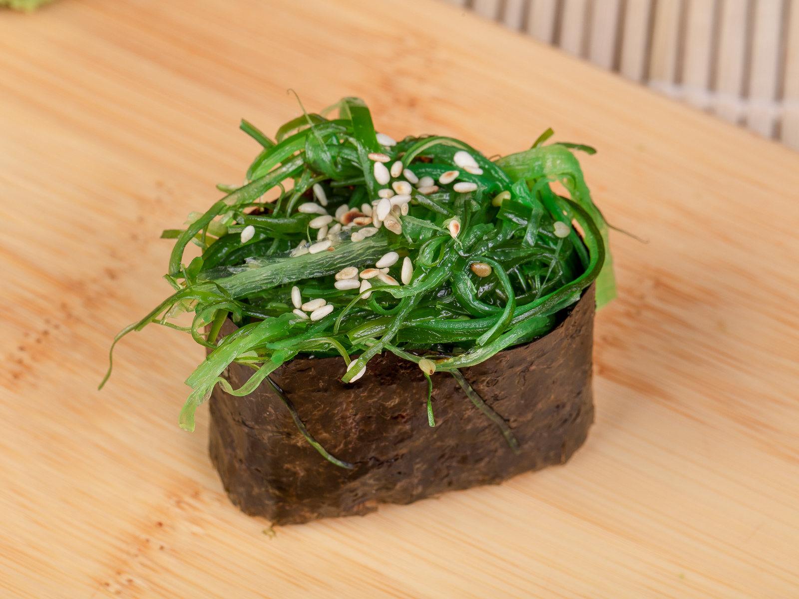 Суши с японским салатом