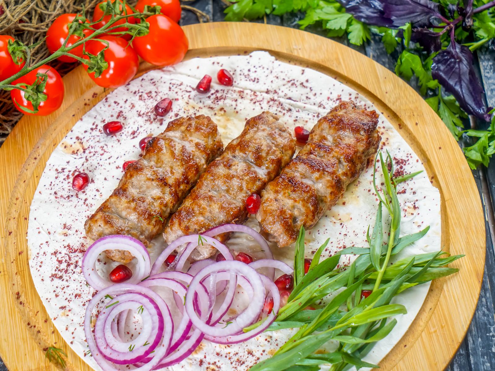 Люля-кебаб из свинины и говядины