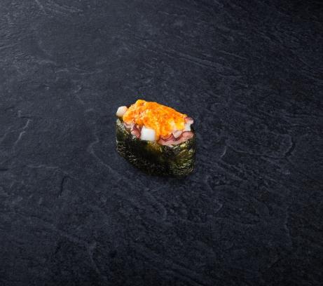 Суши запеченный осьминог