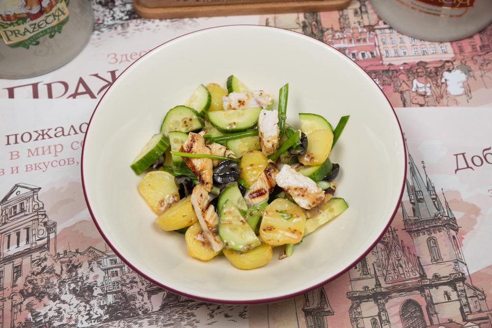 Теплый салат из индейки