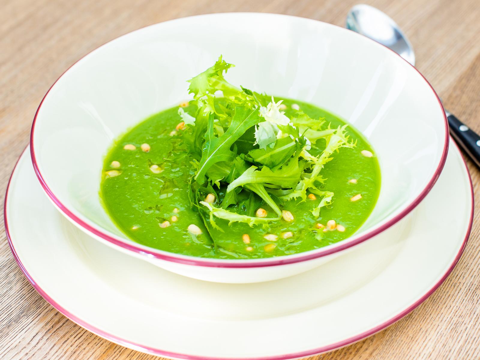 Холодный суп из спаржи и авокадо