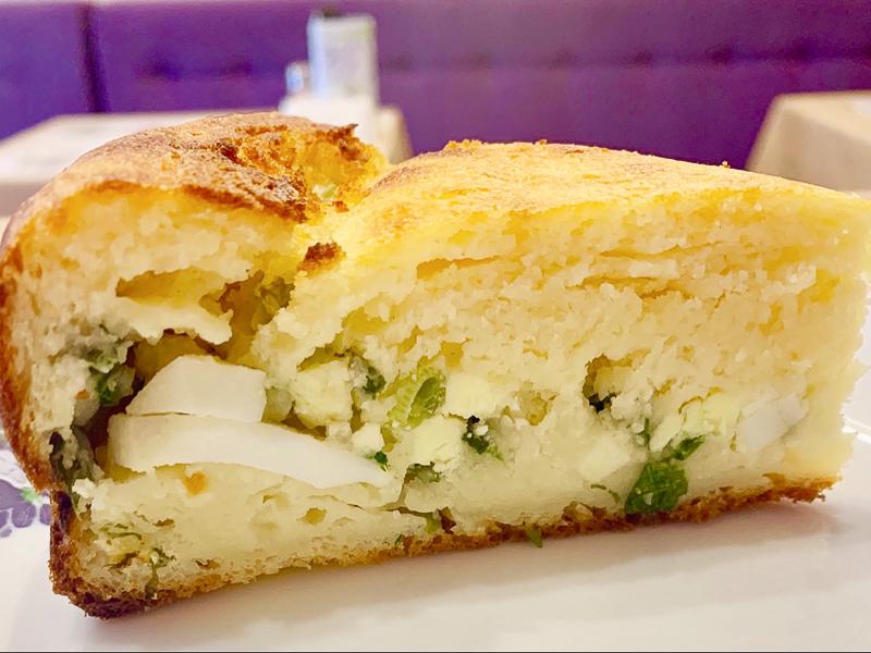 Пирог с луком, яйцом и картофелем