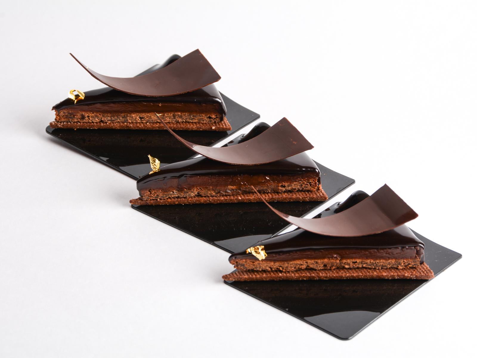 Шоколадный тарт с копченым чаем