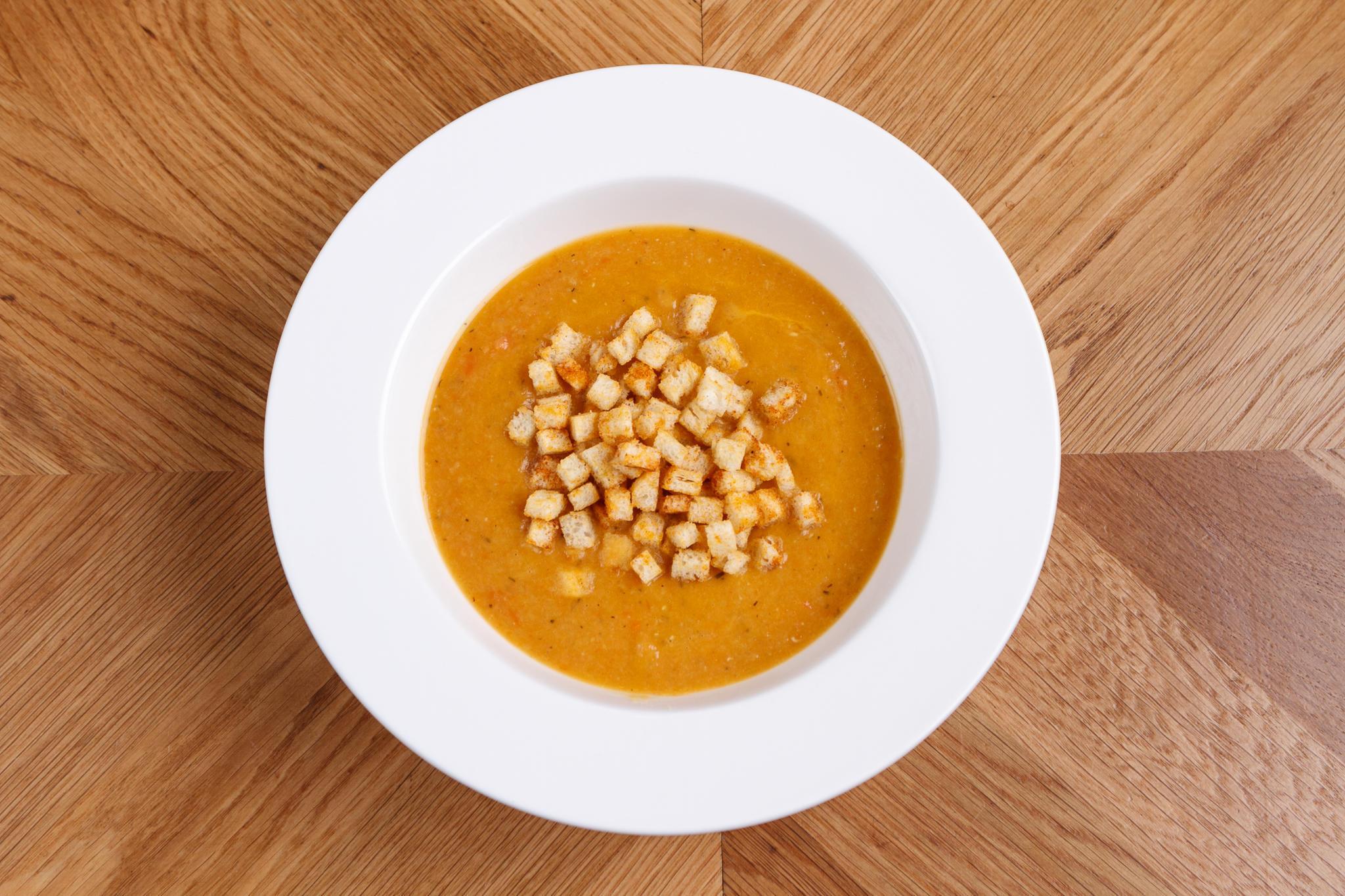 Острый кремовый суп, из чечевицы с аджикой