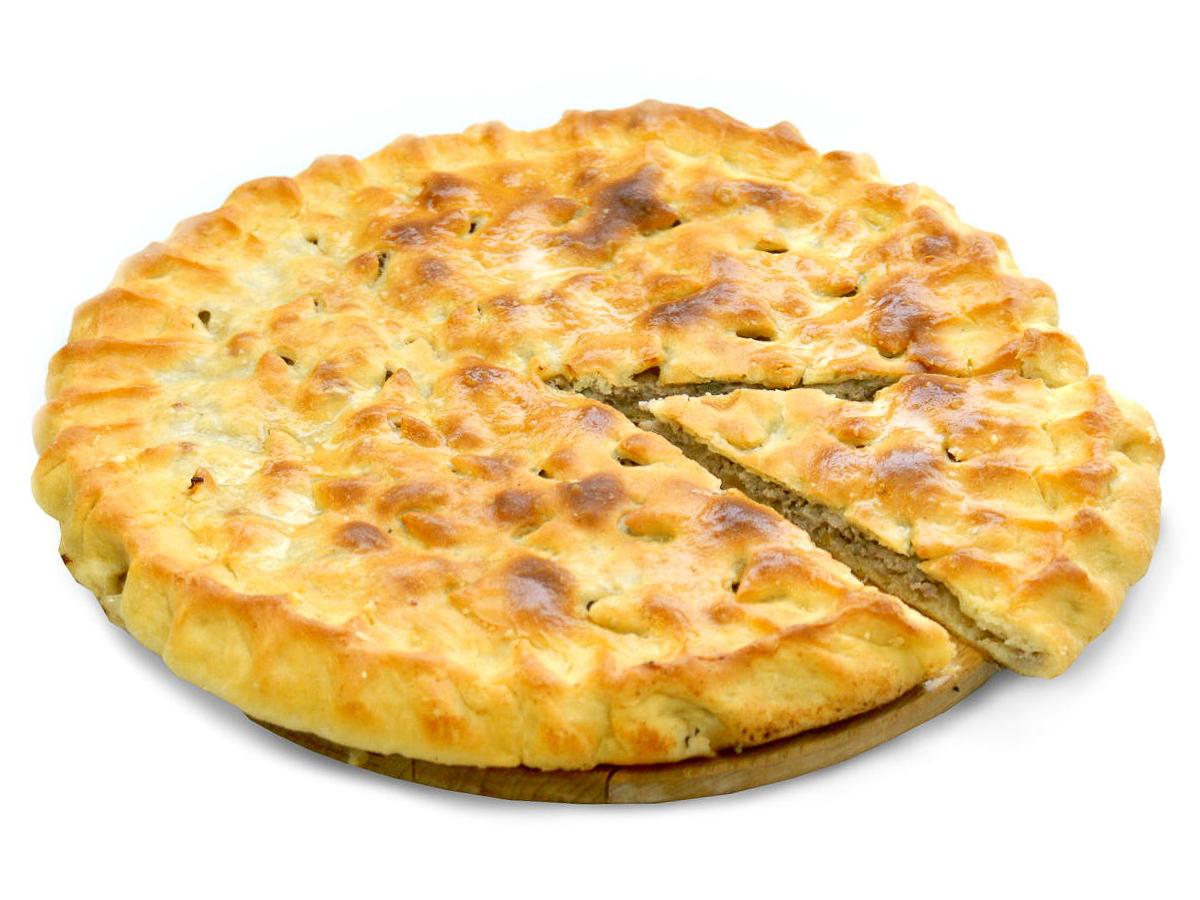 Пирог со свининой и жареным луком