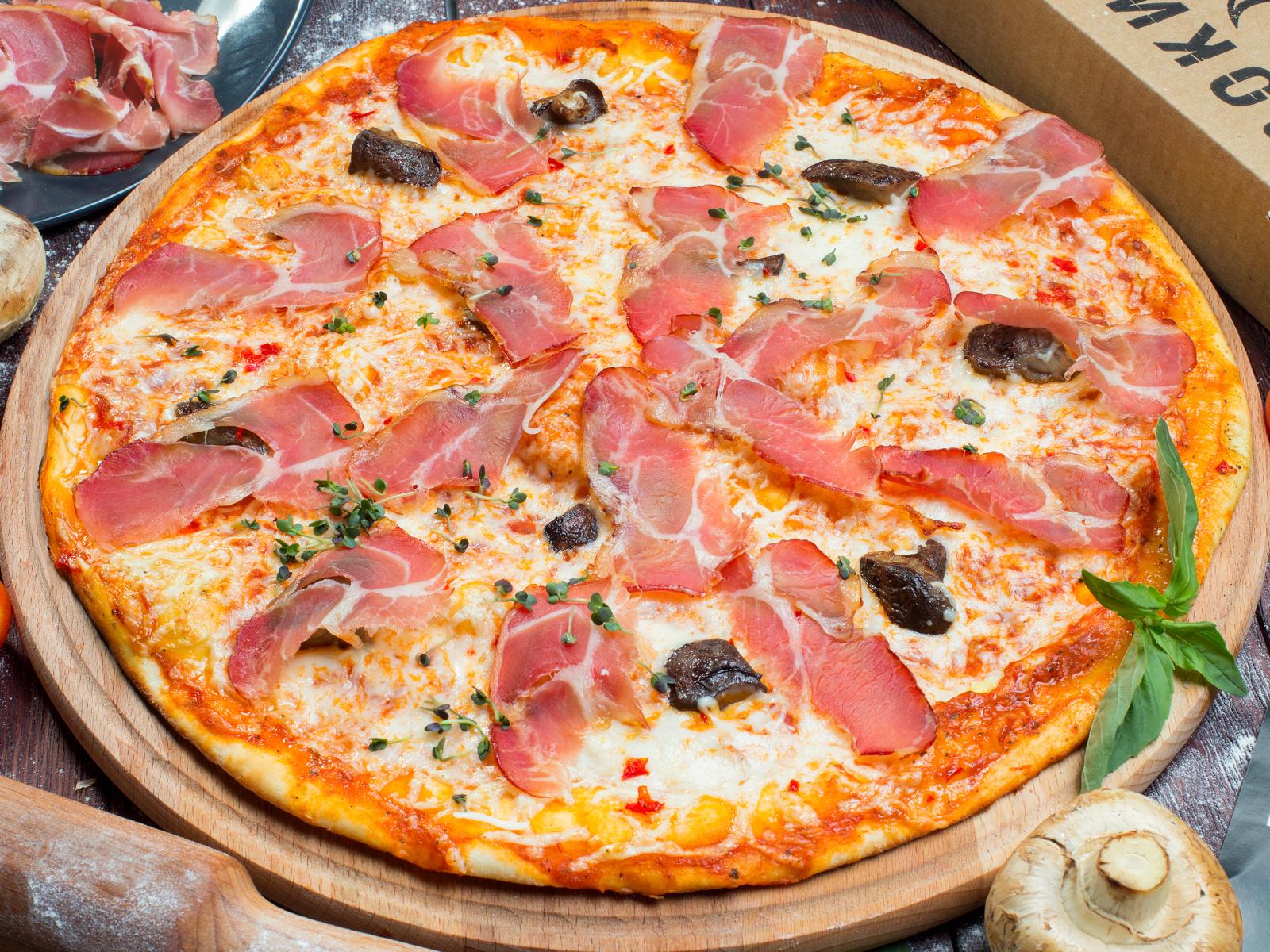 Пицца Прошутто на толстом тесте