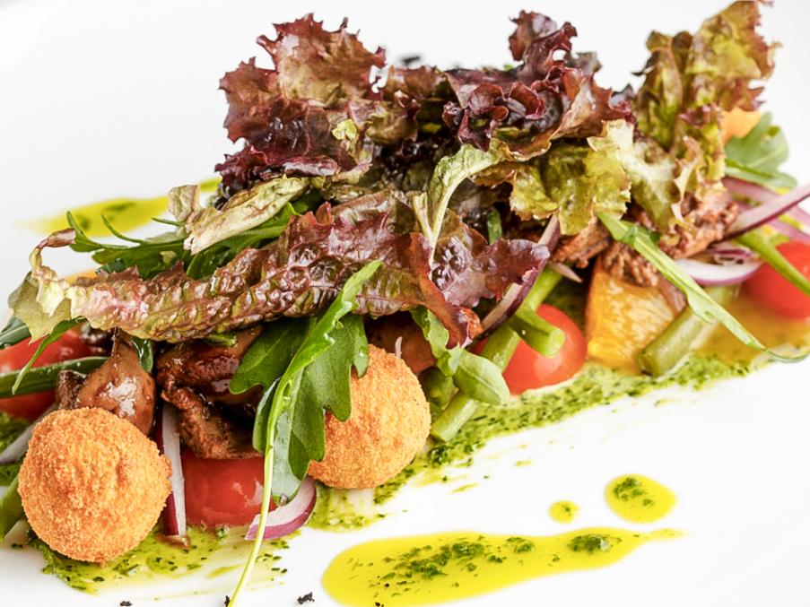 Салат из куриной печени с айоли