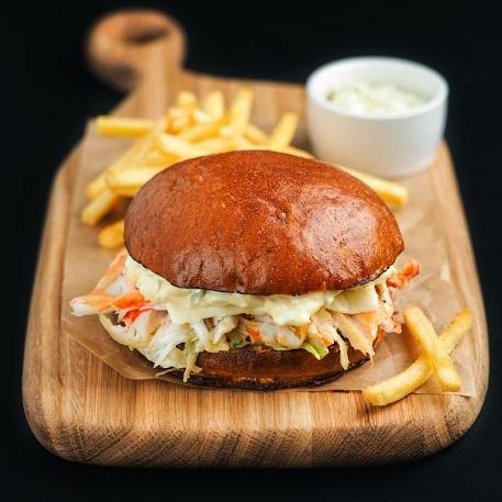Краб-бургер (бургер с камчатским крабом)