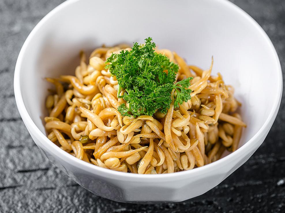 Салат из маринованной сои