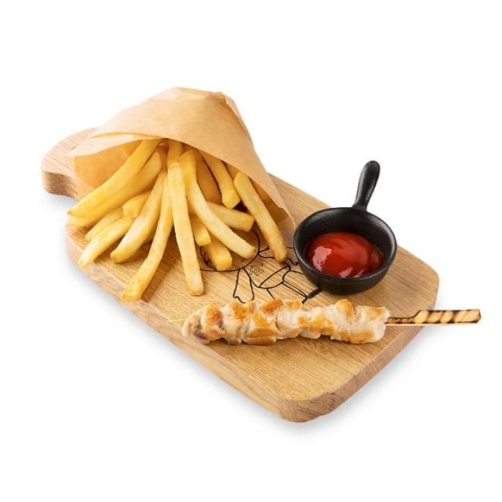 Шашлычок из курицы с картофелем фри